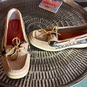 Sperry Top Sider Boat Shoes leopard print Sz 8
